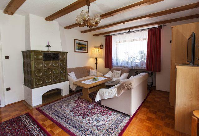 Ferienwohnungen Grill Wohnzimmer Wohnung Anita 1