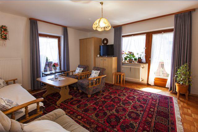 Ferienwohnungen Grill Wohnzimmer Wohnung Anita 2.